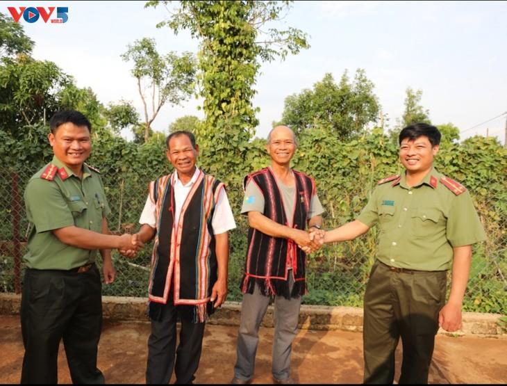 Gia Lai's prestigious ethnic people fully tapped in community development   - ảnh 1