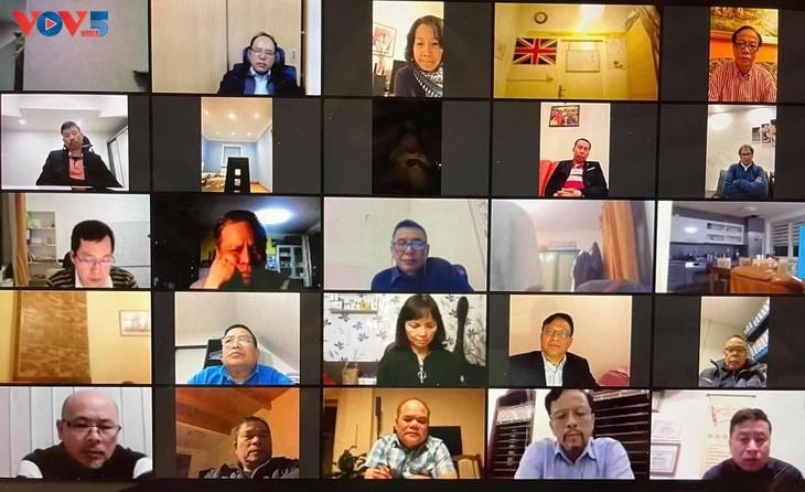 Comunidad vietnamita en la República Checa se une para superar dificultades causadas por el covid-19 - ảnh 1