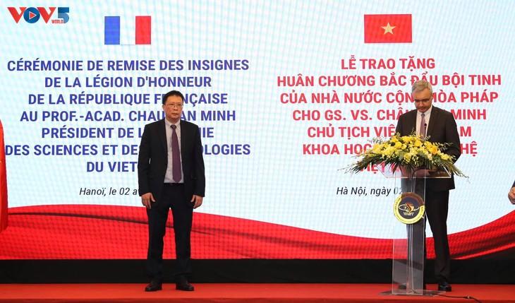 GS.VS. Châu Văn Minh, Chủ tịch Viện Hàn lâm Khoa học và Công nghệ Việt Nam được trao Huân chương Bắc đẩu Bội tinh của Pháp - ảnh 1