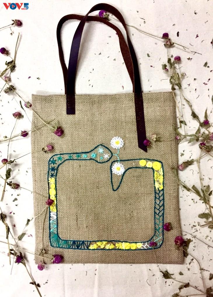 Độc đáo sản phẩm túi thủ công làm từ vải đay - ảnh 14