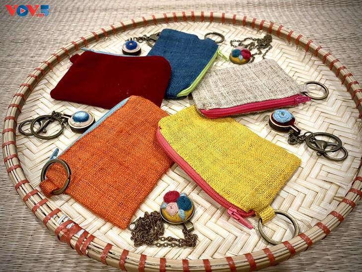 Độc đáo sản phẩm túi thủ công làm từ vải đay - ảnh 17
