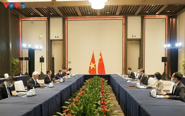推动越南与中国关系继续健康和稳定发展 - ảnh 1