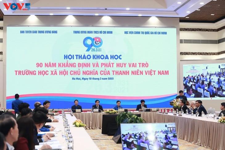 Diskussion zu 90 Jahren Schule des Sozialismus der vietnamesischen Jugendlichen - ảnh 1