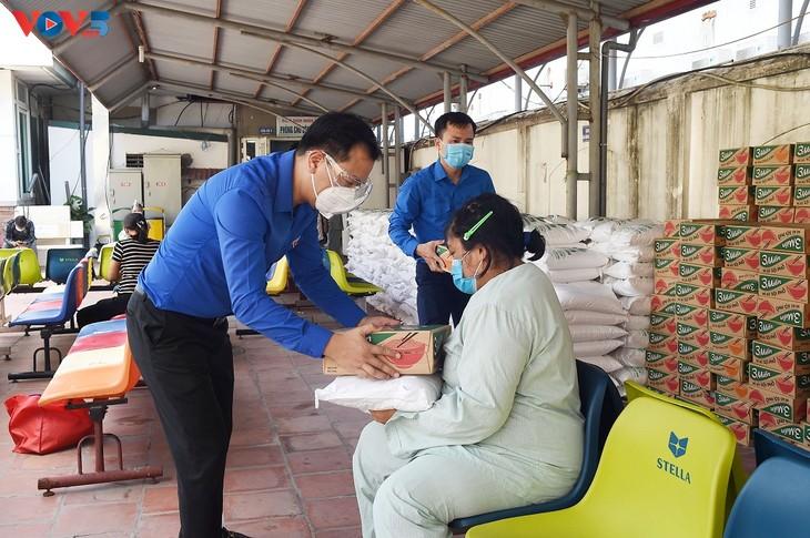 Gần 1 triệu bữa cơm nghĩa tình đã trao tới người dân khó khăn do ảnh hưởng bởi dịch COVID-19 - ảnh 1