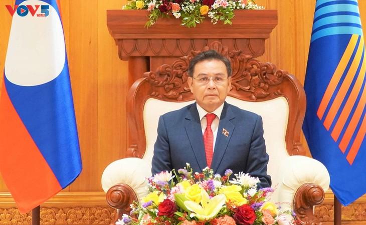 Chủ tịch Quốc hội Lào đánh giá cao các sáng kiến và đề xuất của Việt Nam tại AIPA 42 - ảnh 1