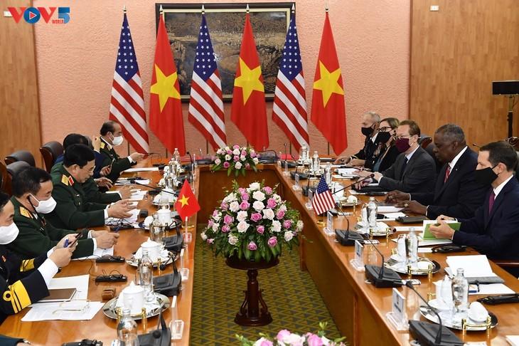 Вьетнам и США активизируют оборонное сотрудничество - ảnh 1