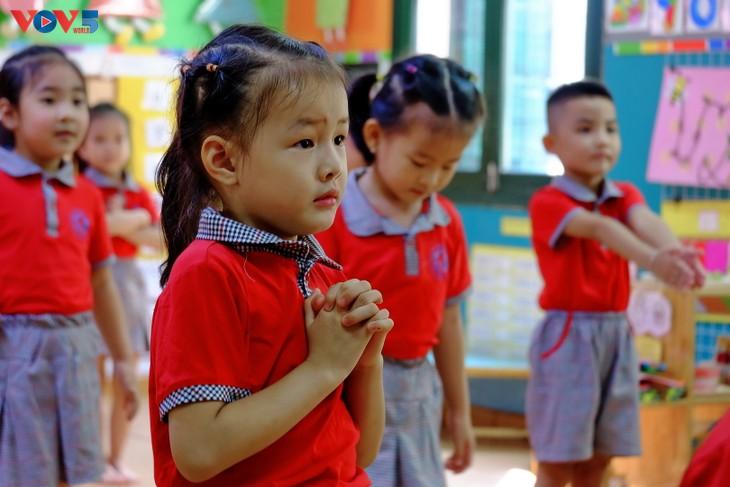 Long lanh ánh mắt trẻ thơ ngày khai giảng - ảnh 16