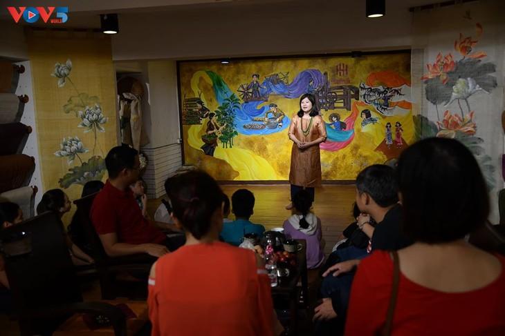 Các em nhỏ tìm hiểu về lụa đũi truyền thống Việt - ảnh 1