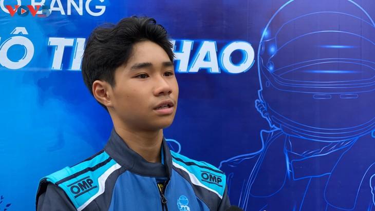 Hai thiếu niên Việt Nam được cấp bằng VĐV đua xe ô tô thể thao chuyên nghiệp - ảnh 3