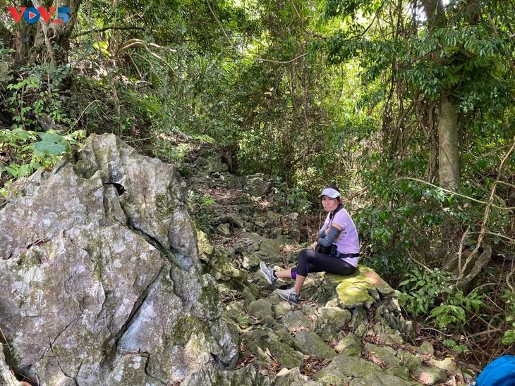 Trải nghiệm leo núi xuyên rừng Cát Bà - ảnh 13