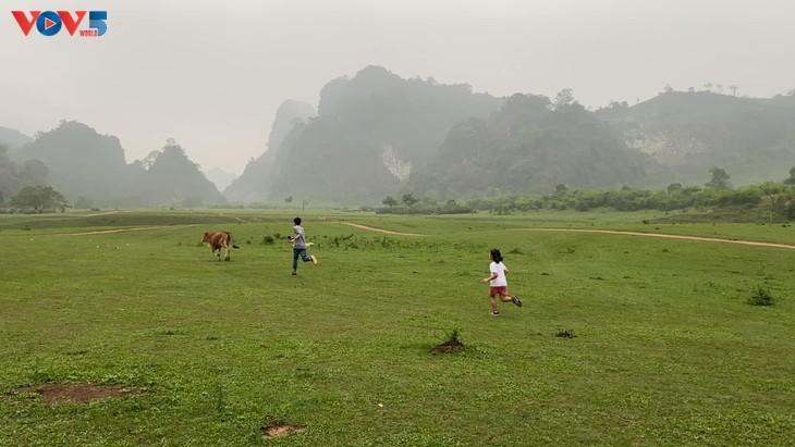 Thảo nguyên Đồng Lâm - điểm đến dã ngoại lý tưởng  - ảnh 4