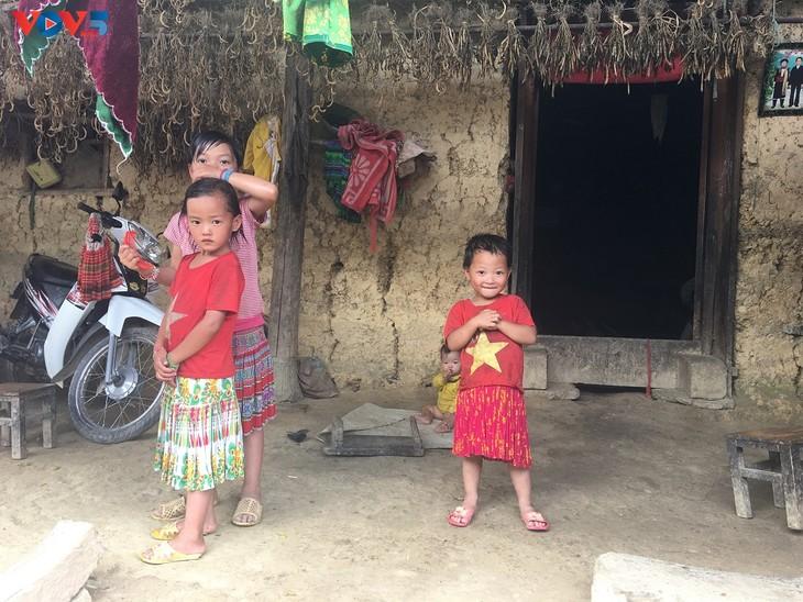Đến thôn Má Lủng của người Mông ở xã Ma Lé - ảnh 15