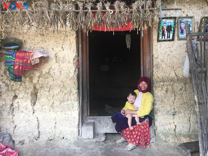 Đến thôn Má Lủng của người Mông ở xã Ma Lé - ảnh 3