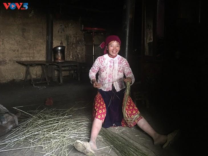 Đến thôn Má Lủng của người Mông ở xã Ma Lé - ảnh 13