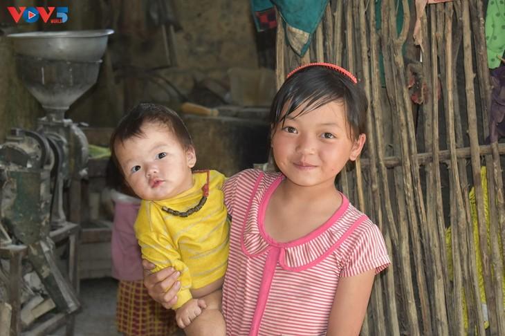 Đến thôn Má Lủng của người Mông ở xã Ma Lé - ảnh 14