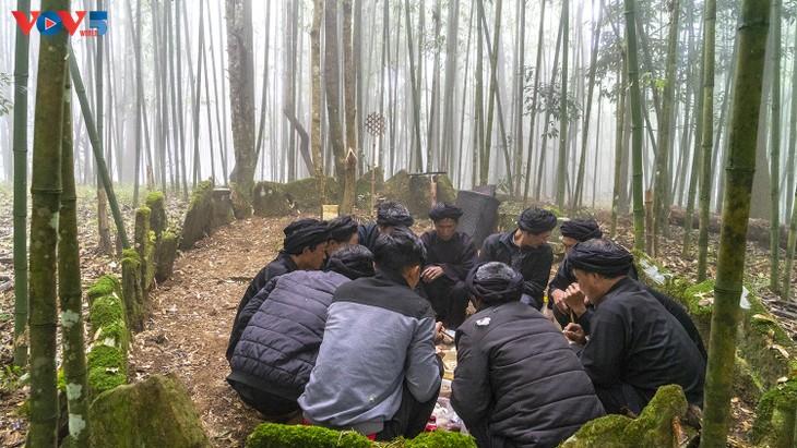 """Độc đáo lễ cúng rừng """" Gạ Ma Do"""" của người Hà Nhì đen - ảnh 15"""