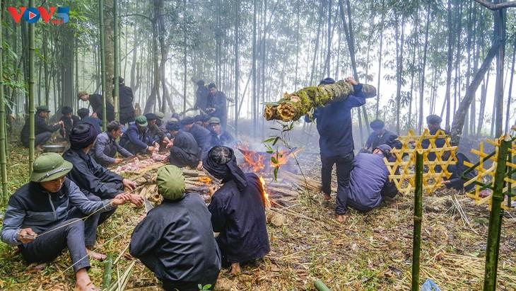"""Độc đáo lễ cúng rừng """" Gạ Ma Do"""" của người Hà Nhì đen - ảnh 10"""