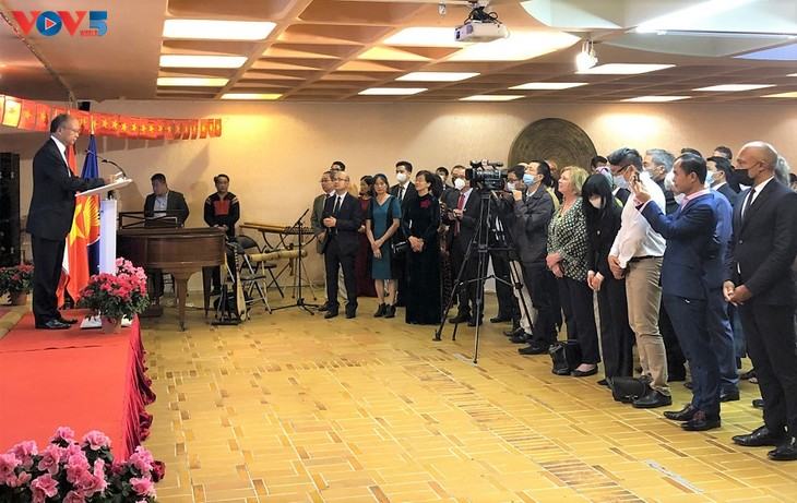 Посол Динь Тоан Тханг подтвердил развитие отношений между Вьетнамом и Францией - ảnh 1