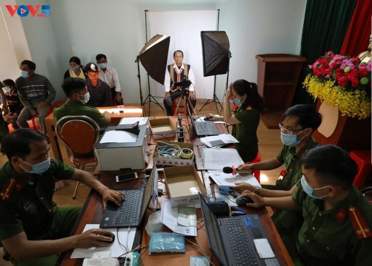 嘉莱省-西原地区签发新公民身份证工作的亮点 - ảnh 1
