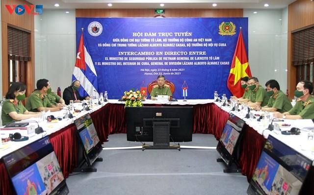 Promueven la cooperación entre el Ministerio de Seguridad Pública de Vietnam y el del Interior de Cuba - ảnh 1