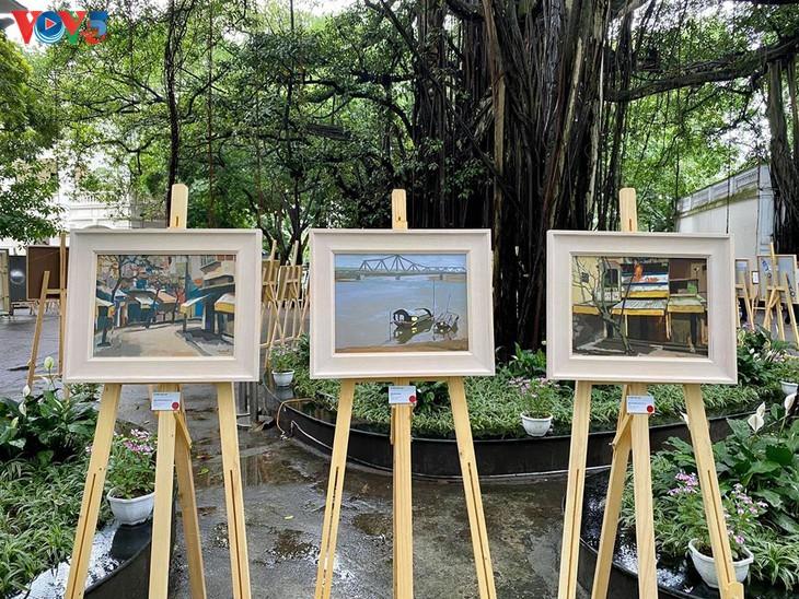 """베트남 현대 화가의 """"사회적 거리두기 중의 그림"""" 전시회 - ảnh 10"""