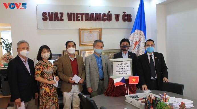 체코, 폴란드 거주 베트남 교민, 중부지방 동포 지원 캠페인 - ảnh 1