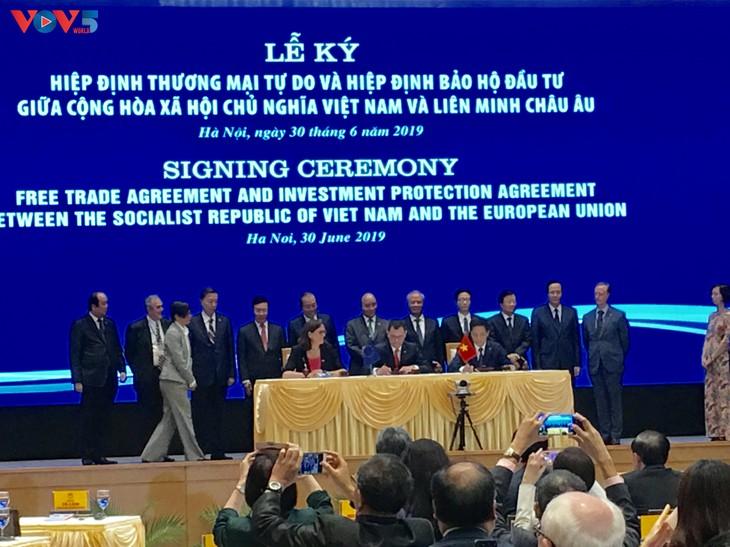 Vietnam-UE: Signature des accords de libre échange et de protection des investissements - ảnh 1