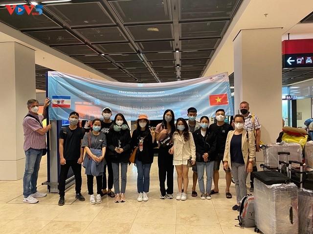 Trung tâm ngoại ngữ MV: đã nối dài hợp tác giáo dục nghề Việt Đức - ảnh 3