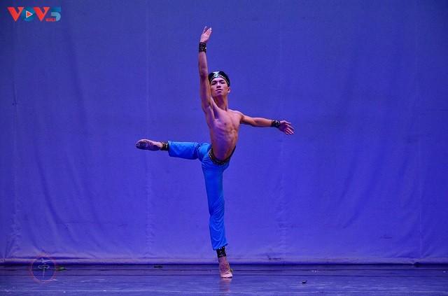 Nghệ sĩ ba lê Nguyễn Đức Hiếu- người chinh phục những vở múa khó - ảnh 4