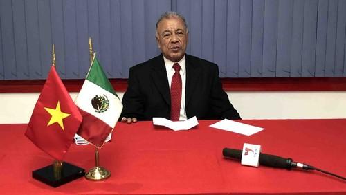 Dirigente del Partido del Trabajo de México alaba el artículo del líder vietnamita sobre el socialismo - ảnh 1