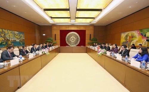 Vietnam y Laos refuerzan cooperación parlamentaria - ảnh 1
