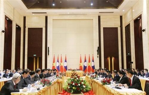 Viceprimer ministro Trinh Dinh Dung visita Laos - ảnh 1