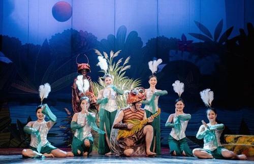 """Artistas del Teatro de Le Ngoc recrean la obra clásica """"De Men Phieu Luu Ky"""" - ảnh 2"""