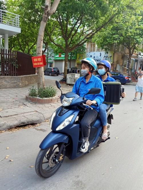 Jóvenes vietnamitas: voluntarismo extraordinario en el combate contra el covid-19  - ảnh 1