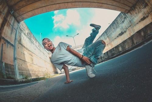 "Nguyên Anh Tuân et le projet ""Street arts for street kids"" - ảnh 1"