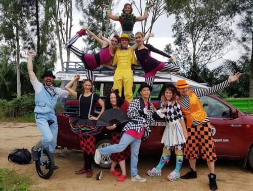 "Nguyên Anh Tuân et le projet ""Street arts for street kids"" - ảnh 3"