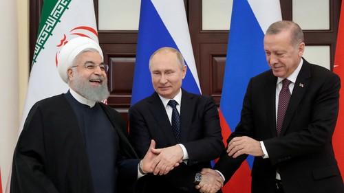 Vladimir Poutine appelle à «éliminer définitivement le foyer terroriste» d'Idleb - ảnh 1