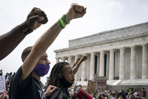 De Washington à Paris, mobilisation massive contre le racisme  - ảnh 2