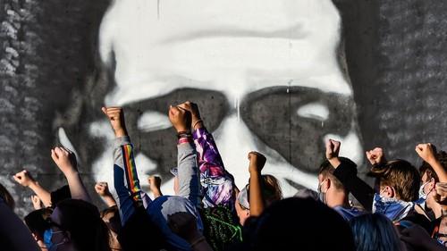 De Washington à Paris, mobilisation massive contre le racisme  - ảnh 1