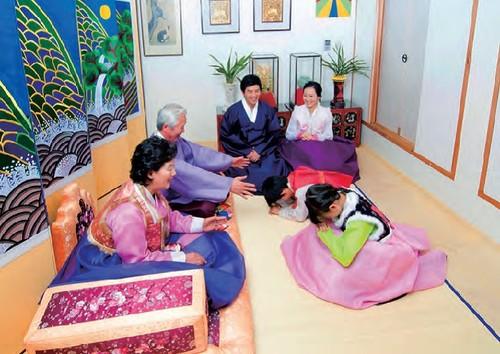 Koreans' celebration for Lunar New Year - ảnh 3
