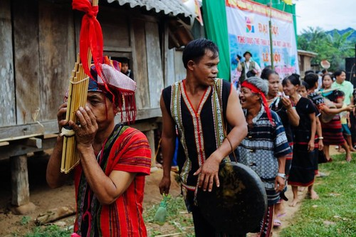 Arieu Ping, the reburial festival of the Pa Ko  - ảnh 4