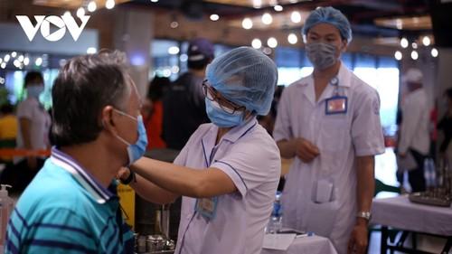 Covid-19: Le ministère de la Santé a distribué 3 millions de doses de vaccin à Hô Chi Minh-ville - ảnh 1