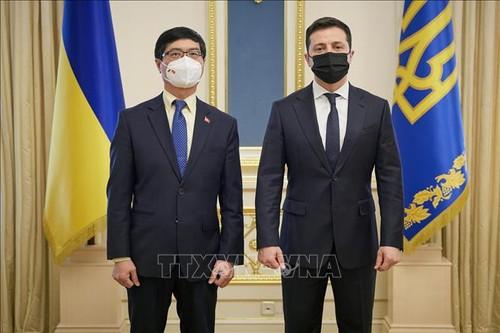 Presiden Ukraina Terkesan dengan Semua Prestasi Vietnam - ảnh 1