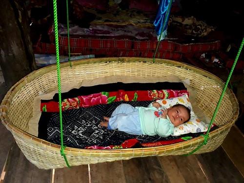 Adat  Merayakan Bayi Berusia Sebulan dari Warga Etnis Minoritas Thai di Provinsi Son La - ảnh 1
