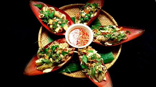 Banana Flower Salad with Chicken - ảnh 2