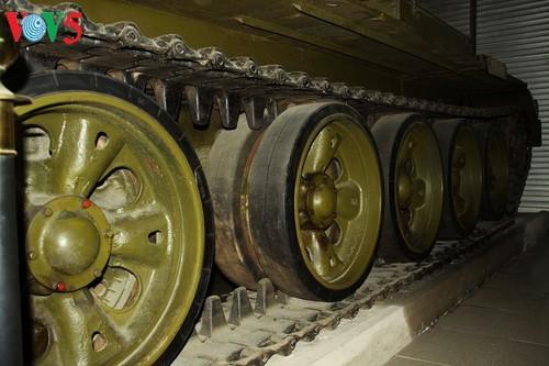 一睹1975年4月30日撞倒独立宫铁门的390号坦克风采 - ảnh 6
