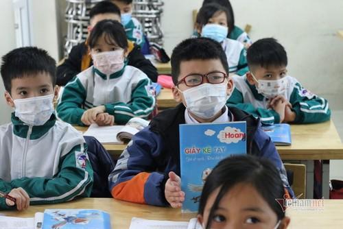 全国学生在严格防疫条件下返校 - ảnh 13