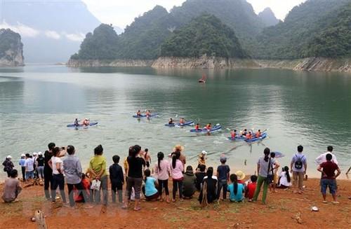 Kayaking in Vietnam and kayak racing in Tuyen Quang province   - ảnh 2