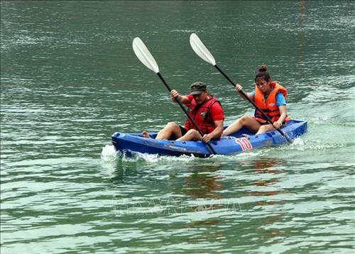 Kayaking in Vietnam and kayak racing in Tuyen Quang province   - ảnh 4