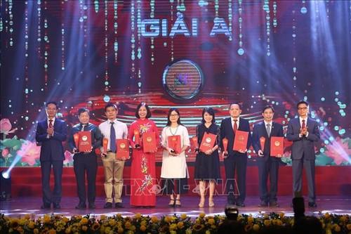 Winners of National Book Award 2020 honored  - ảnh 1